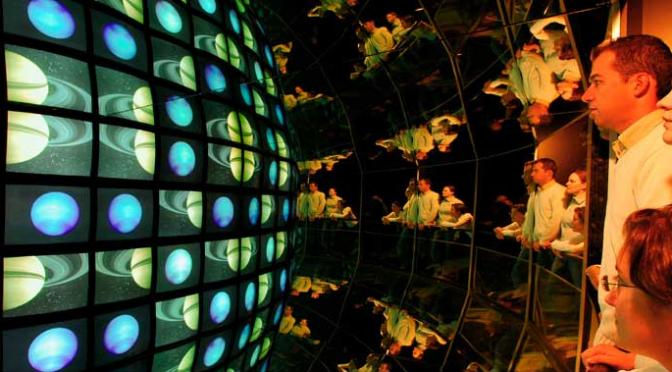 Verbindung zwischen unendlich kleiner Teilchenphysik und unendlich grosser Astrophysik
